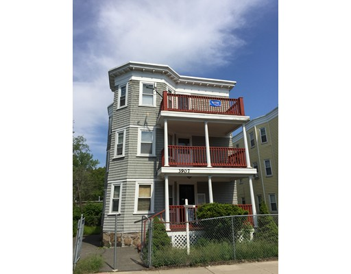 Casa Unifamiliar por un Alquiler en 3907 Washington Street Boston, Massachusetts 02131 Estados Unidos