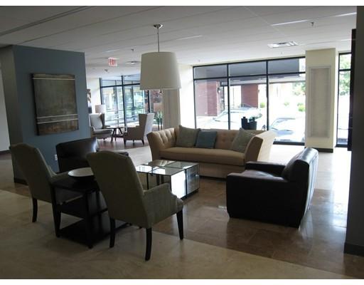 Casa Unifamiliar por un Alquiler en 60 LONGWOOD Brookline, Massachusetts 02446 Estados Unidos