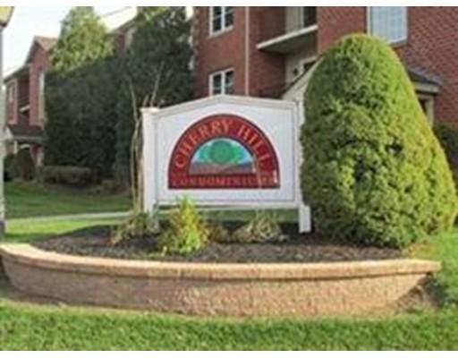 Additional photo for property listing at 22 Maple Crest Circle  Holyoke, Massachusetts 01040 Estados Unidos