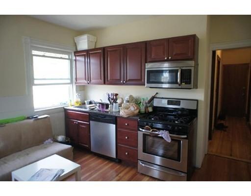 独户住宅 为 出租 在 35 Allston Street 波士顿, 马萨诸塞州 02134 美国