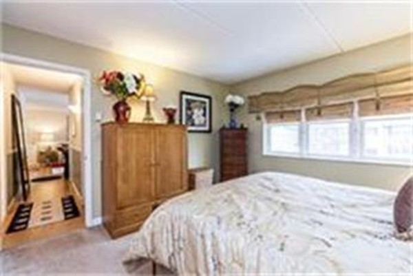 Photo #6 of Listing 32 Maple Crest Cir