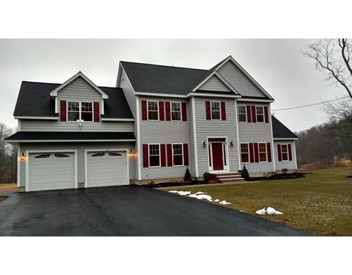 Maison unifamiliale pour l Vente à 169 High Street Chelmsford, Massachusetts 01824 États-Unis