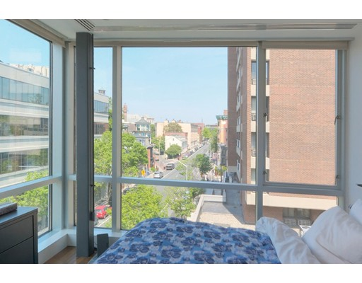 Additional photo for property listing at 1075 Massachusetts Avenue  坎布里奇, 马萨诸塞州 02138 美国