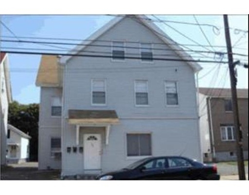 Casa Unifamiliar por un Alquiler en 162 Pearl Street Malden, Massachusetts 02148 Estados Unidos