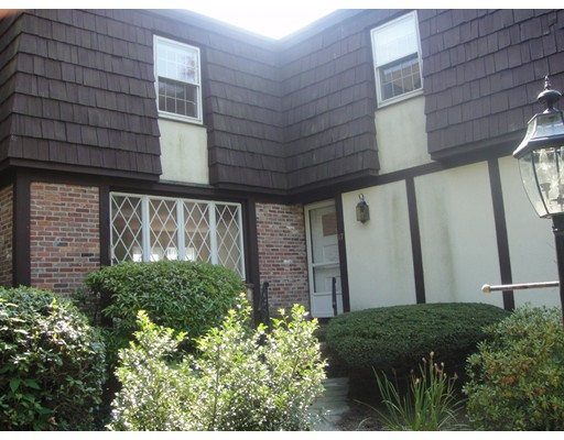 Additional photo for property listing at 17 Brook Street  Wellesley, Massachusetts 02482 United States