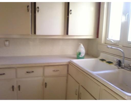 Additional photo for property listing at 32 Barnum  Taunton, Massachusetts 02780 Estados Unidos