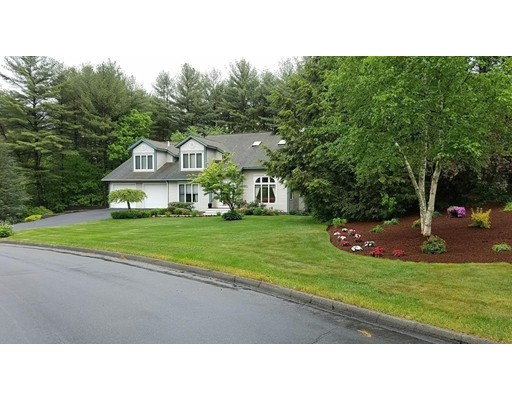 Single Family Home for Sale at 9 Milton Lane Foxboro, Massachusetts 02035 United States