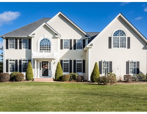 Single Family Home for Sale at 14 Billington Circle Cumberland, Rhode Island 02864 United States