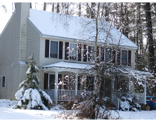 Casa Unifamiliar por un Venta en 6 Elderberry Court Milford, Nueva Hampshire 03055 Estados Unidos