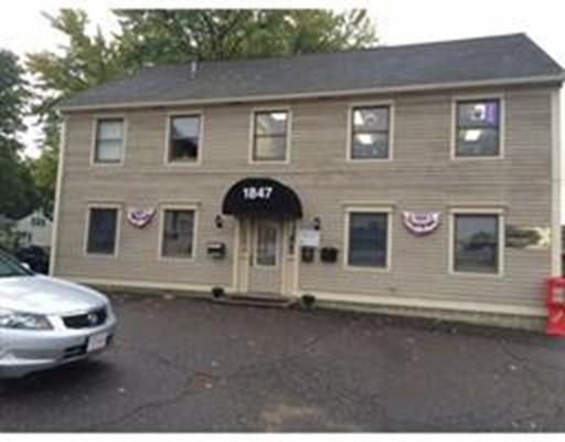 商用 为 销售 在 1847 Memorial Drive Chicopee, 马萨诸塞州 01020 美国