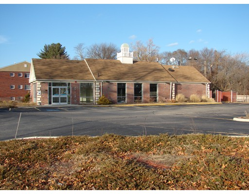 Commercial for Rent at 2080 warwick Avenue 2080 warwick Avenue Warwick, Rhode Island 02889 United States