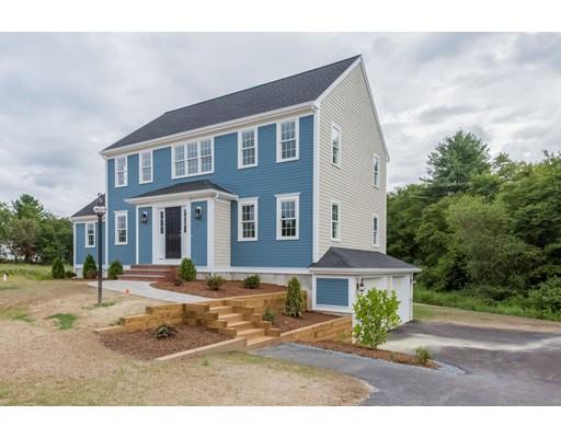 Maison unifamiliale pour l Vente à 5 Colonial Drive Bridgewater, Massachusetts 02324 États-Unis