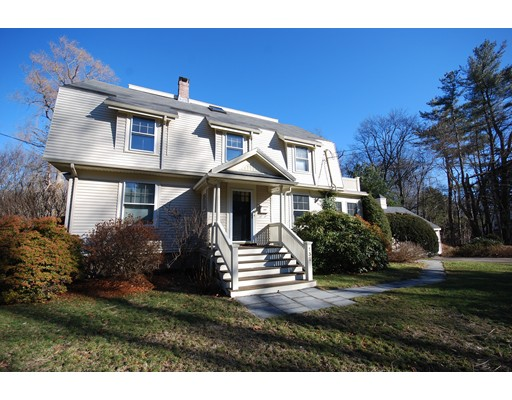 Single Family Home for Sale at 132 Cottage street Natick, Massachusetts 01760 United States