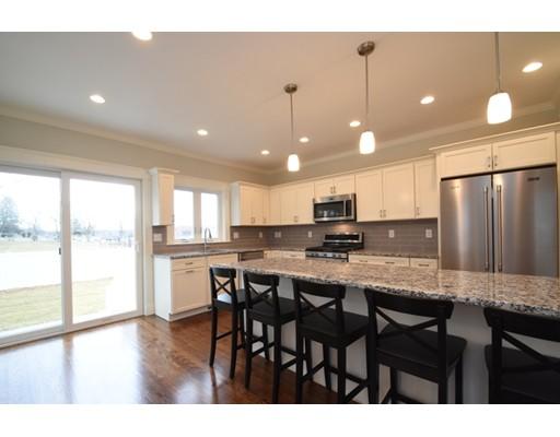 独户住宅 为 销售 在 114 Chapman Street 沃特敦, 马萨诸塞州 02472 美国