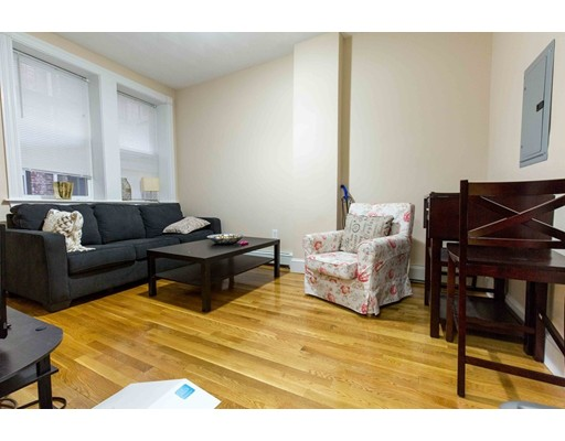 Additional photo for property listing at 7 Anderson  Boston, Massachusetts 02114 United States
