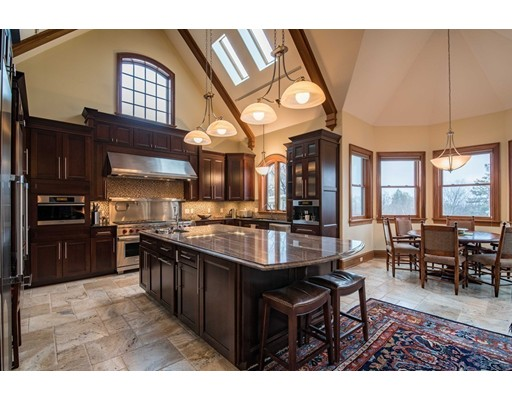 Maison avec plusieurs logements pour l Vente à 91 Round Hill Road Northampton, Massachusetts 01060 États-Unis