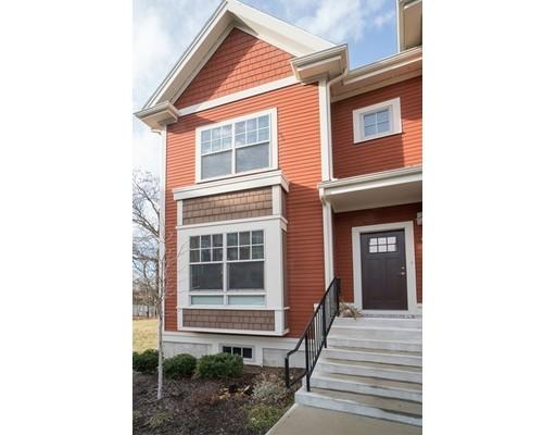 Appartement en copropriété pour l Vente à 2012 Symmes Circle Arlington, Massachusetts 02474 États-Unis