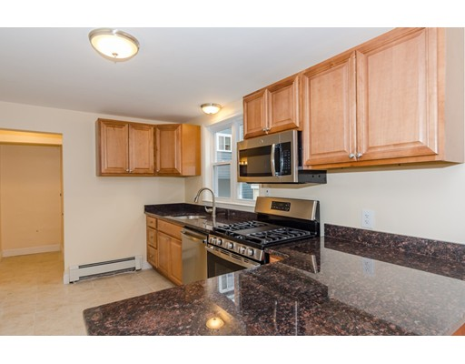 Additional photo for property listing at 7 Roberts  Somerville, Massachusetts 02145 Estados Unidos