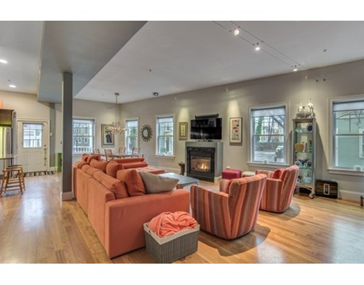 Condominium for Sale at 98 Washington Square East Salem, Massachusetts 01970 United States