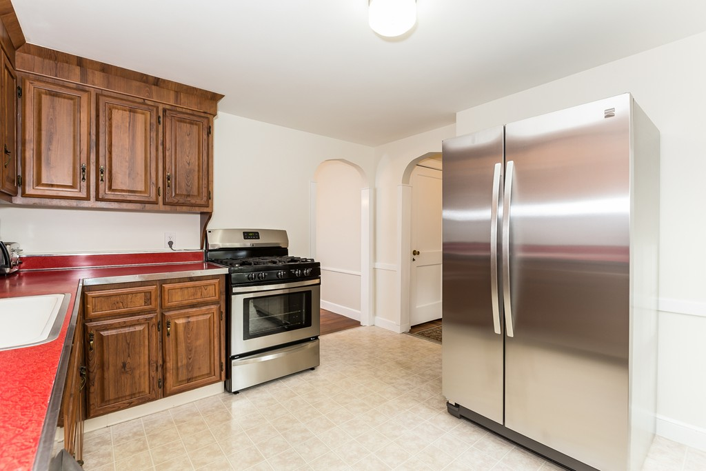 288 wilson ave quincy ma 02170 in norfolk county mls for Perfect kitchens quincy