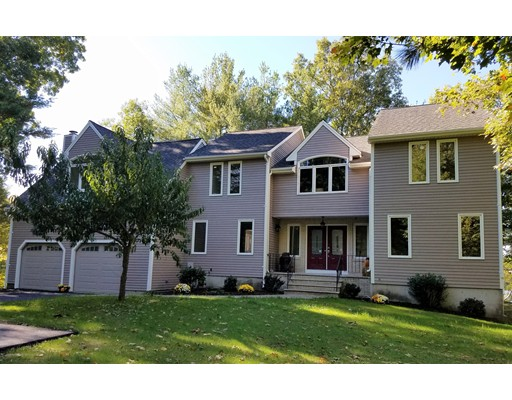独户住宅 为 销售 在 23 Dassance Drive Foxboro, 马萨诸塞州 02035 美国