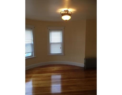 独户住宅 为 出租 在 1215 Blue Hill Avenue 波士顿, 马萨诸塞州 02126 美国