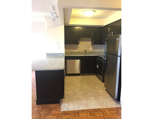 Additional photo for property listing at 1025 Hancock Street 1025 Hancock Street Quincy, Массачусетс 02169 Соединенные Штаты