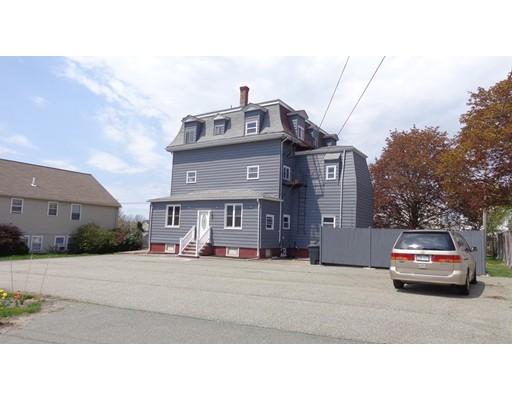 متعددة للعائلات الرئيسية للـ Sale في 58 Orvis Road Revere, Massachusetts 02151 United States