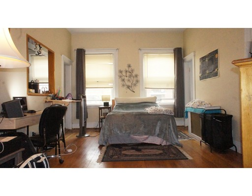 Additional photo for property listing at 90 Brainerd Road  波士顿, 马萨诸塞州 02134 美国