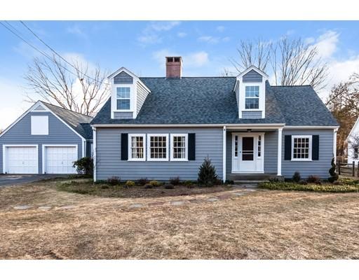 Частный односемейный дом для того Продажа на 16 Porter Street Wenham, Массачусетс 01984 Соединенные Штаты