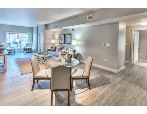 独户住宅 为 出租 在 373 Commonwealth Road 韦兰, 01778 美国