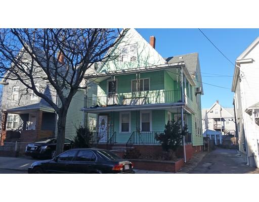 Casa Multifamiliar por un Venta en 66 Walnut Street Everett, Massachusetts 02149 Estados Unidos