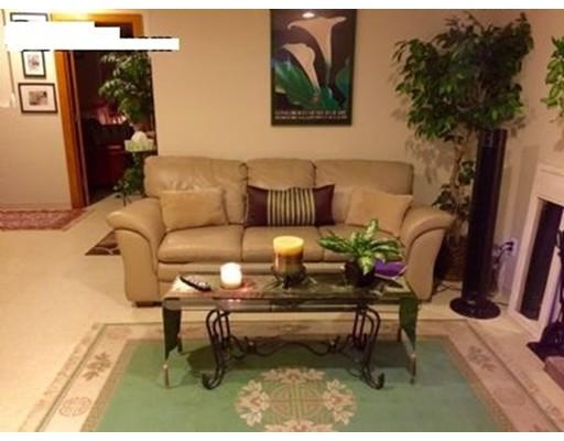 Casa Unifamiliar por un Alquiler en 30 Arnold Street Needham, Massachusetts 02494 Estados Unidos