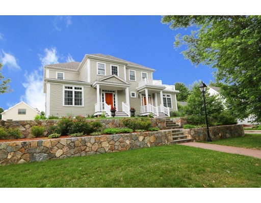 28 Maple Ln, Medfield, MA 02052