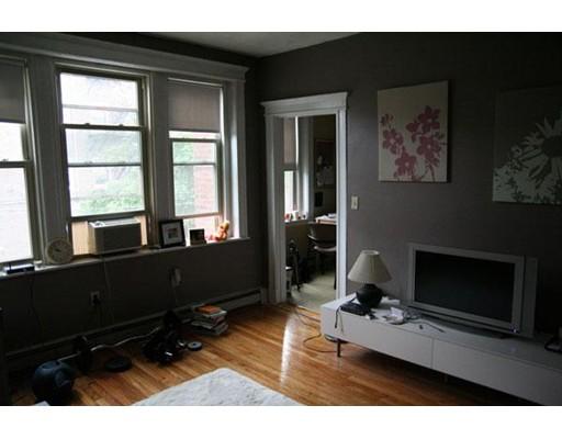 Additional photo for property listing at 1625 Commonwealth Avenue  Boston, Massachusetts 02135 Estados Unidos