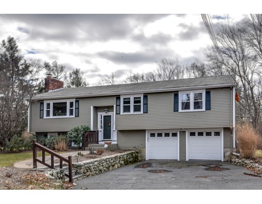 Single Family Home for Sale at 130 Everett Street Natick, Massachusetts 01760 United States