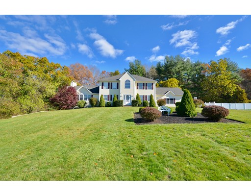 Maison unifamiliale pour l Vente à 19 Blackmer Down Thompson, Connecticut 06255 États-Unis