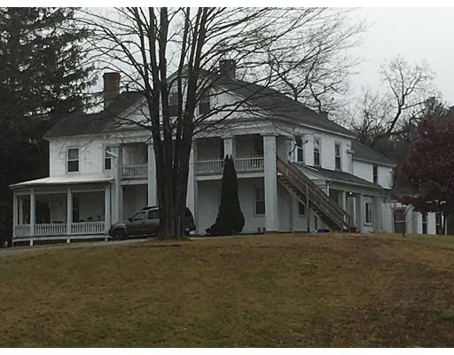 Casa Multifamiliar por un Venta en 7 Reynolds Avenue Monson, Massachusetts 01057 Estados Unidos