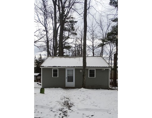 Single Family Home for Sale at 7 Ridge Road Sandown, New Hampshire 03873 United States