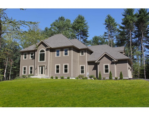 Single Family Home for Sale at 7 Crystal Lane Hadley, Massachusetts 01035 United States