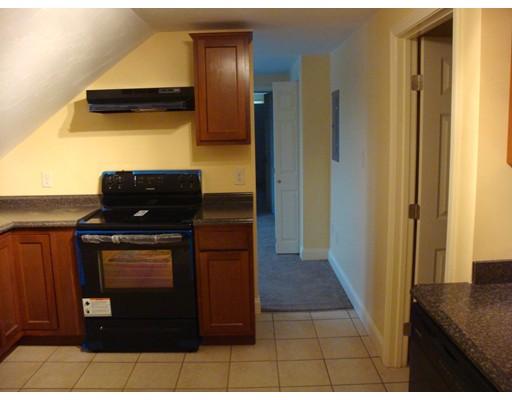 独户住宅 为 出租 在 122 Chestnut Street Southbridge, 01550 美国