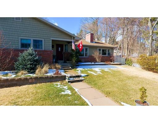 Casa Unifamiliar por un Venta en 135 Mountain View Drive Holyoke, Massachusetts 01040 Estados Unidos