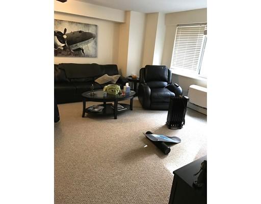 Casa Unifamiliar por un Alquiler en 130 Bowdoin Street Boston, Massachusetts 02108 Estados Unidos