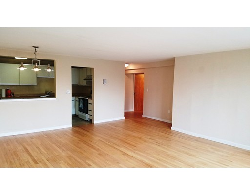 Additional photo for property listing at 142 commercial  Boston, Massachusetts 02113 Estados Unidos