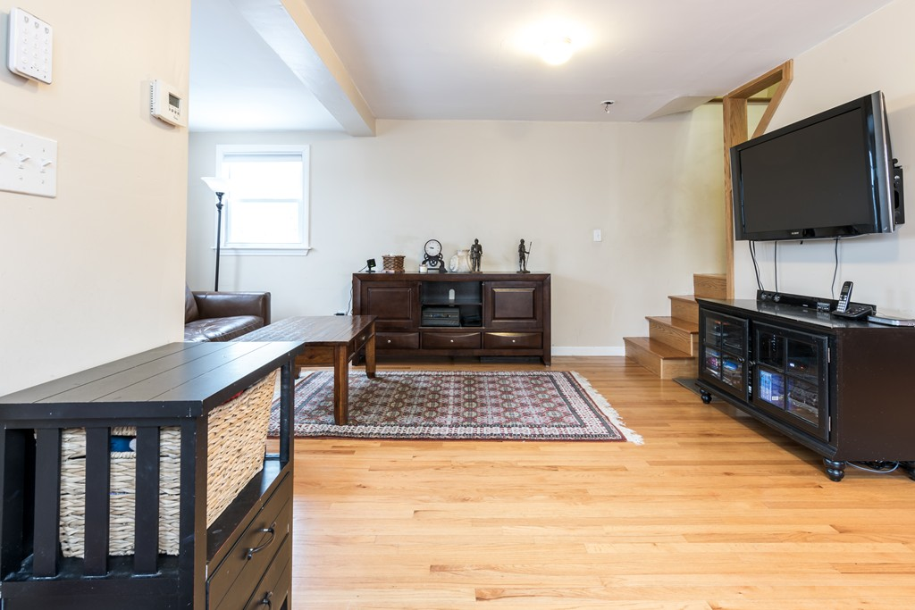 629 sea street quincy ma 02169 in norfolk county mls for Hardwood floors quincy ma