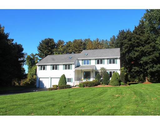 Single Family Home for Sale at 115 Oxbow Road Needham, Massachusetts 02492 United States