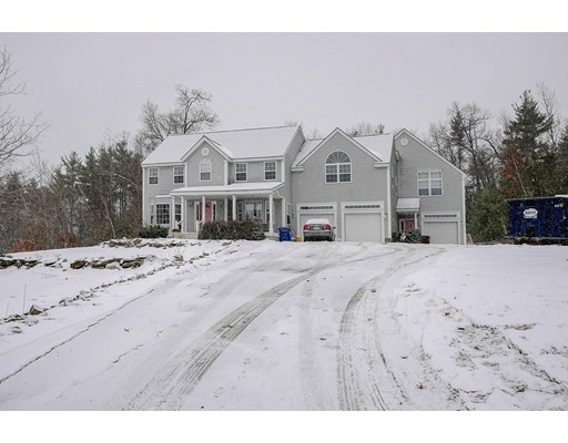Single Family Home for Sale at 28 Patricia Drive Tyngsborough, Massachusetts 01879 United States