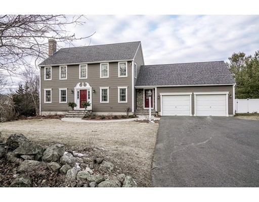 Single Family Home for Sale at 4 Brigham Hill Grafton, Massachusetts 01519 United States