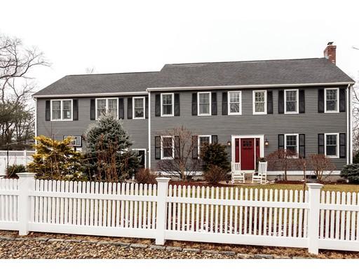 独户住宅 为 销售 在 5 Mark Lane 米尔顿, 马萨诸塞州 02186 美国