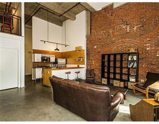 Casa Unifamiliar por un Alquiler en 251 Heath Street Boston, Massachusetts 02130 Estados Unidos